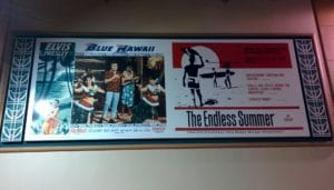 Affiches de cinéma des films Blue Hawaii et The Endless Summer à Honolulu, Hawaii