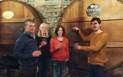 Cider tasting in the Spanish Basque Country: TXOTX !