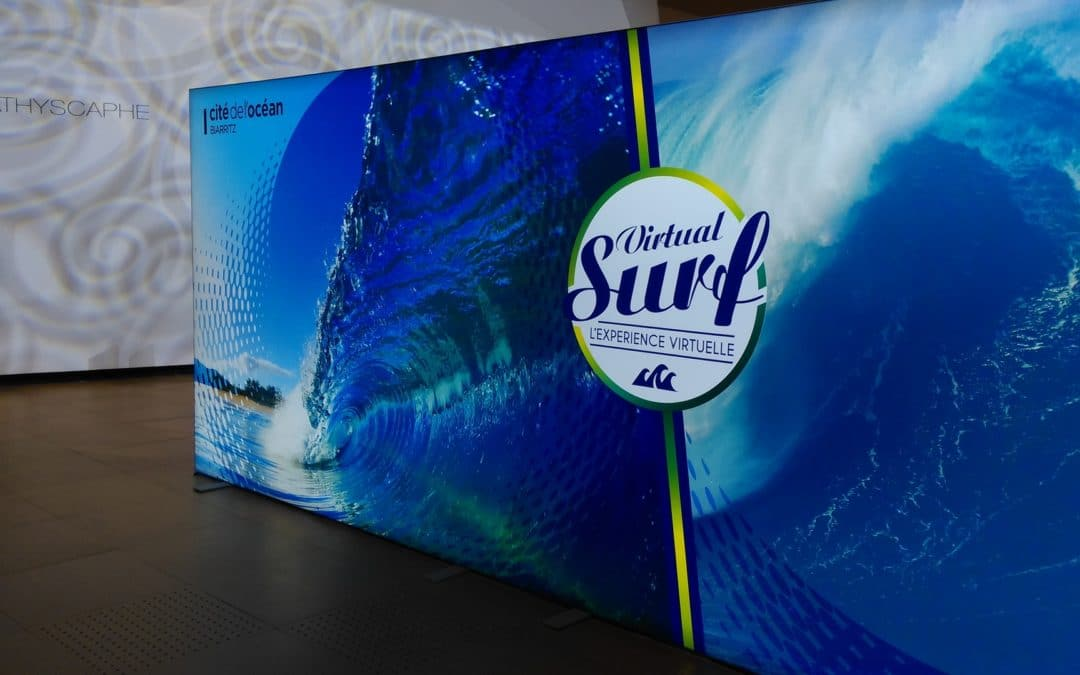 Board advertizing about virtual surf
